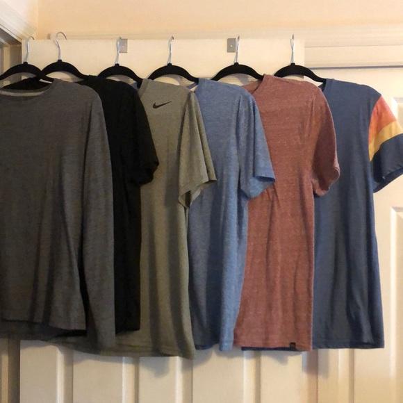 Men's T shirt bundle (mixed brands) S/M
